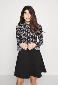 Miss Selfridge Petite - SHIRRED HIGH NECK - Long sleeved top - black - 0