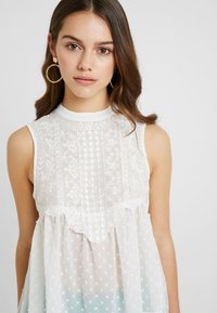 Miss Selfridge Petite - VICTORIANA SLEEVELESS - Blouse - cream - 4