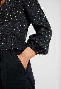 Miss Selfridge Petite - SPOT PEPLUM - Skjorte - black - 5