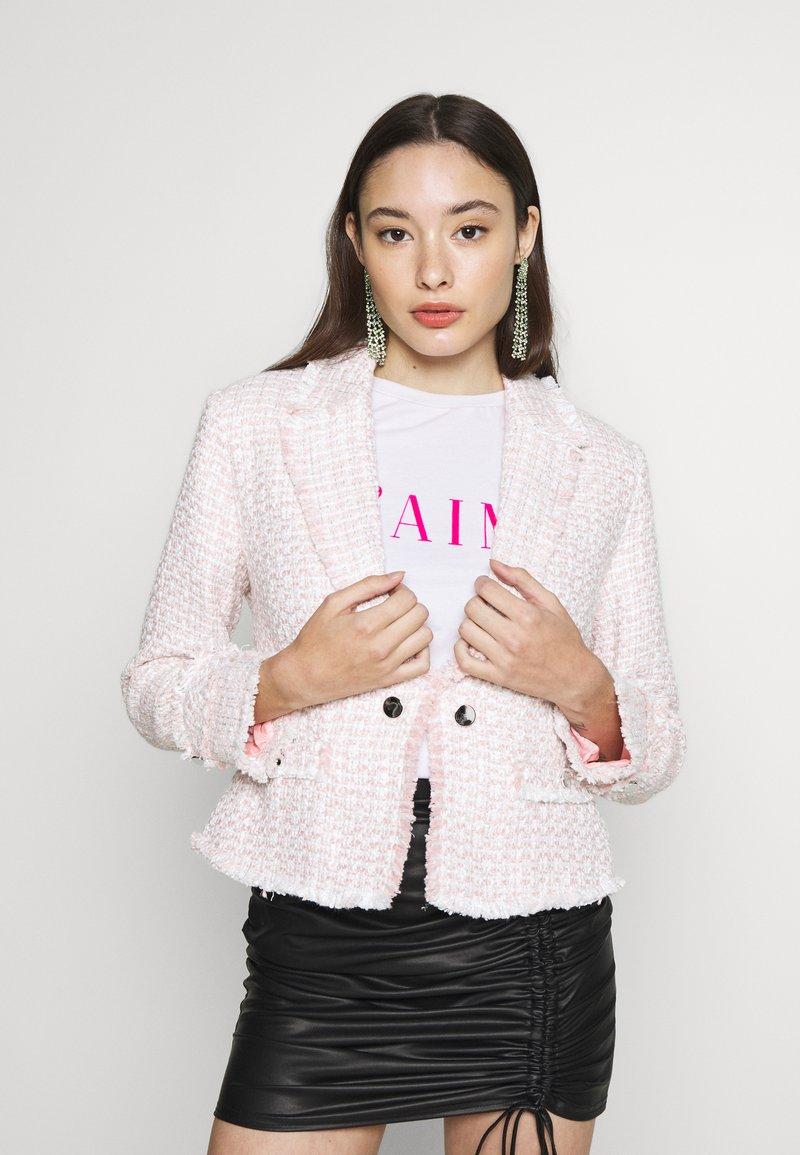 Miss Selfridge Petite - BOUCLE  - Sportovní sako - pink