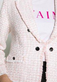 Miss Selfridge Petite - BOUCLE  - Sportovní sako - pink - 5