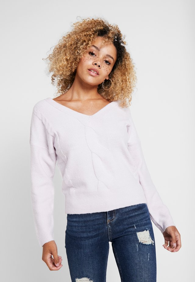 V NECK CABLE JUMPER - Neule - lilac