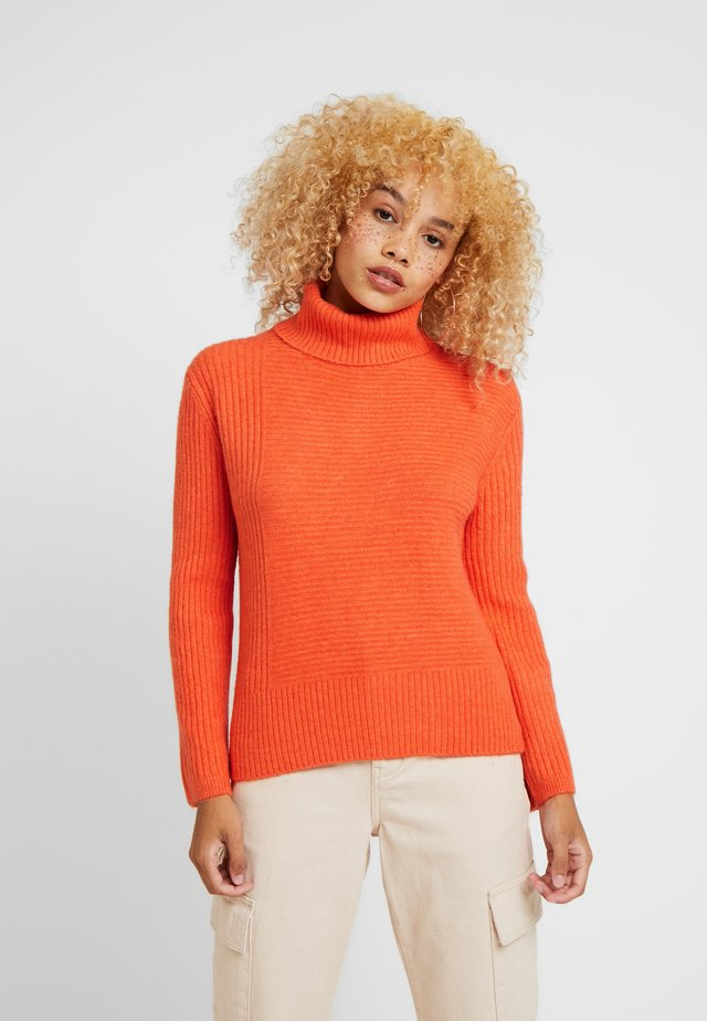 FUNNEL NECK JUMPER - Jumper - orange