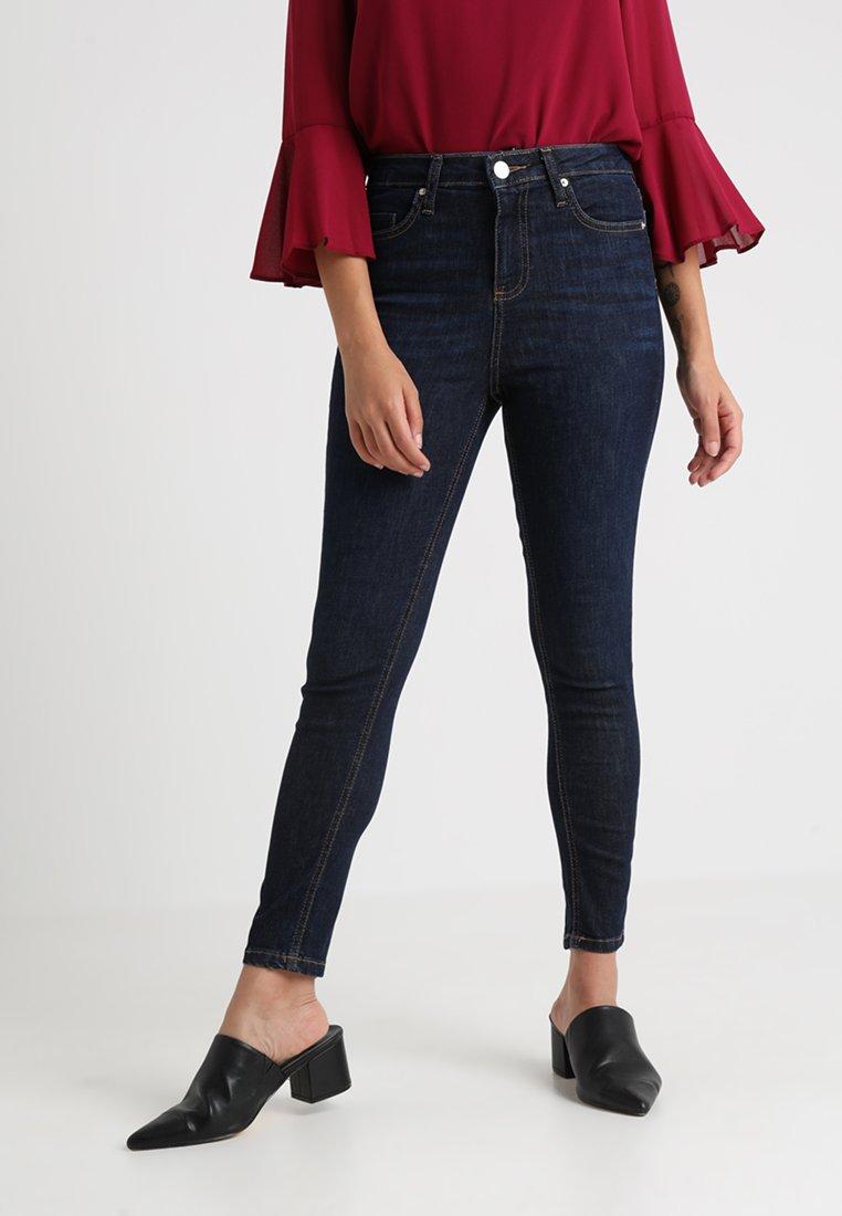 Miss Selfridge Petite - LIZZIE CARAMAC - Jeans Skinny - blue