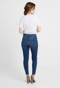 Miss Selfridge Petite - SPACE LIZZIE - Jeans Skinny Fit - blue - 2