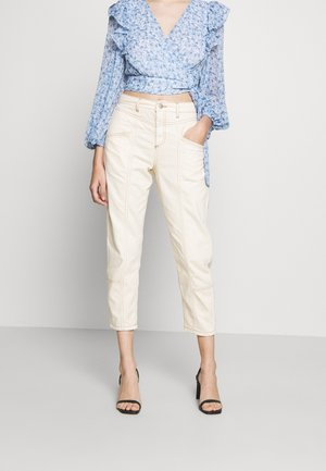 MOM HIGH WAIST - Jeans Relaxed Fit - white