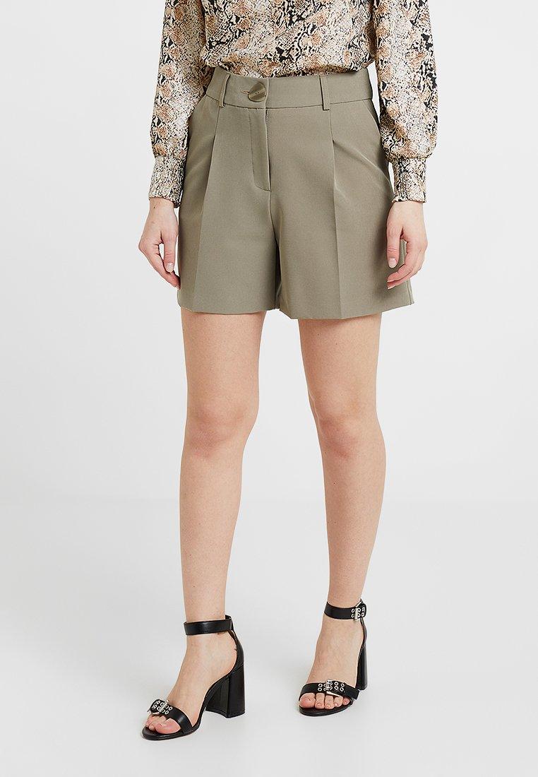 Miss Selfridge Petite - CITY - Shorts - khaki
