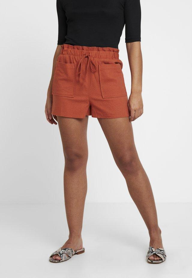 UTILITY - Shorts - rust