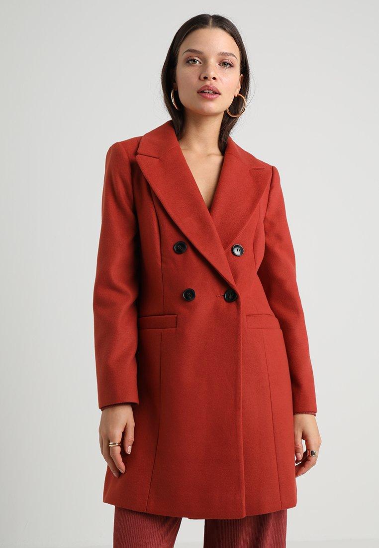Miss Selfridge Petite - PLAIN SMART COAT - Kurzmantel - light red