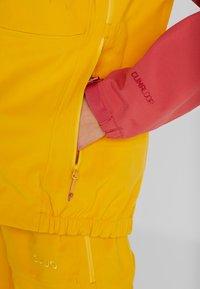 PYUA - GORGE - Skijakke - dark rose/pumpkin yellow - 7