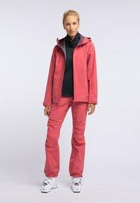 PYUA - HYLE - Giacca da snowboard - dark pink - 1