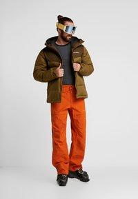 PYUA - RELEASE - Snow pants - rusty orange - 1