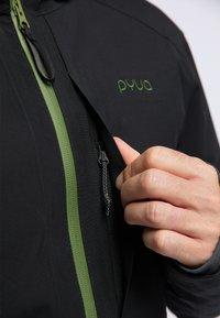 PYUA - EXCITE - Snowboard jacket - black - 3
