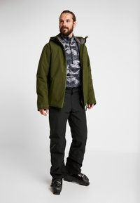 PYUA - VOID - Snowboard jacket - rifle green - 1
