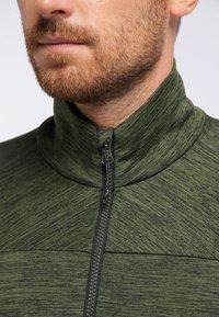 PYUA - INSTINCT - Zip-up hoodie - rifle green - 3
