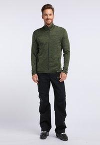 PYUA - INSTINCT - Zip-up hoodie - rifle green - 1