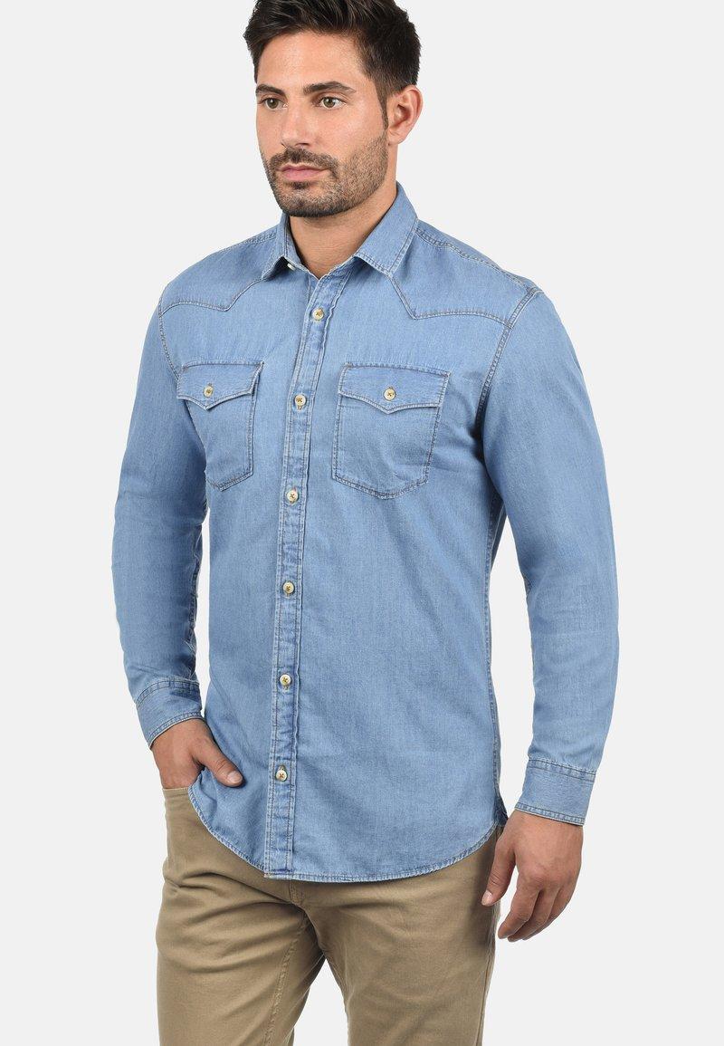 Produkt - PAULUS - Shirt - light blue