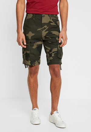 PKTAKM CASTOR CAMO - Shorts - olive night
