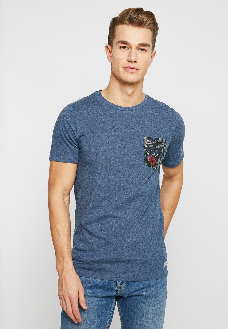 Produkt - PKTGMS POCKET TEE - Basic T-shirt - dark denim melange