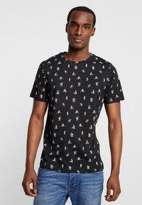 Produkt - PKTGMS DUDE TEE - T-shirt med print - black - 2