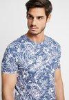 Produkt - PKTGMS BAY TEE  - T-shirts print - dark denim