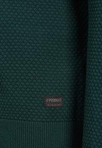 Produkt - PKTHNN  - Sweter - evergreen - 3