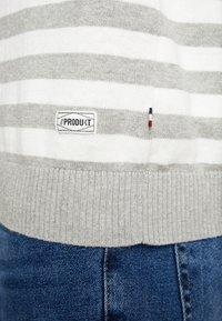 Produkt - PKTHNN FRED CREW NECK - Strikkegenser - dress blues - 5