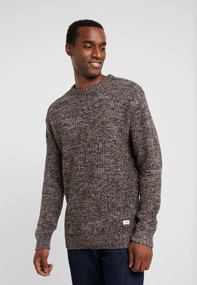 PKTHNN BOND CREW NECK  - Sweter - chocolate torte