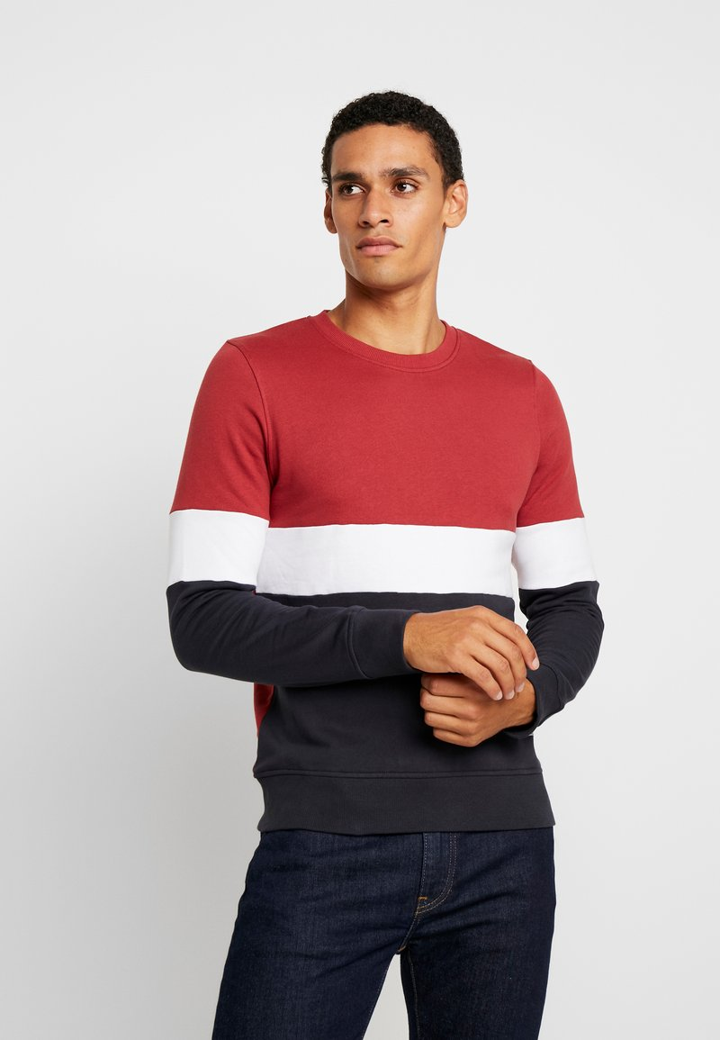 Produkt - PKTVIY JAMES CREW NECK - Sweatshirt - brick red