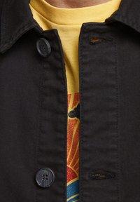 Produkt - Light jacket - black - 3