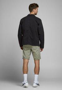 Produkt - Light jacket - black - 2