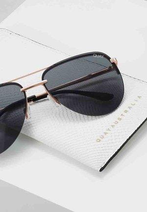 QUAYXJLO THE PLAYA - Sluneční brýle - rose gold-coloured