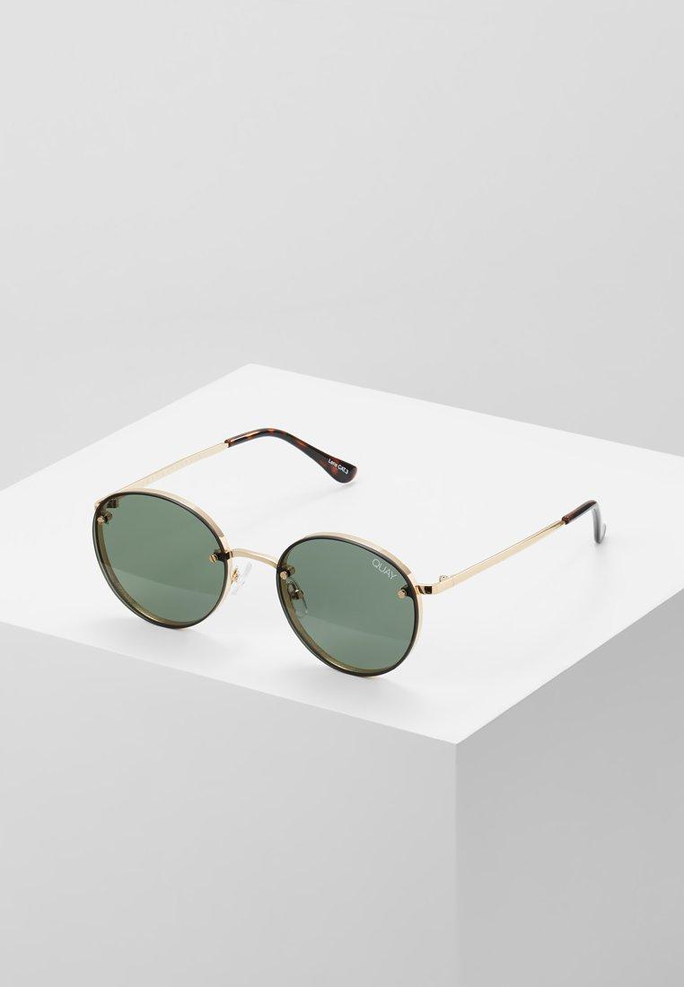 QUAY AUSTRALIA - FARRAH - Sluneční brýle - gold-coloured/green