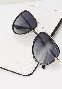 QUAY AUSTRALIA - ALL IN MINI - Sunglasses - black - 3
