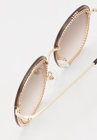QUAY AUSTRALIA - JEZABELL CHAIN - Zonnebril - gold-coloured/brown/pink - 5