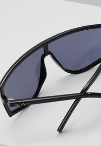 QUAY AUSTRALIA - COSMIC - Sluneční brýle - black - 5