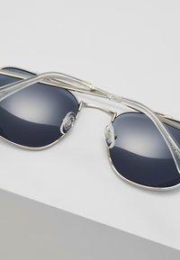 QUAY AUSTRALIA - HELIOS - Sluneční brýle - silver-coloured/navy - 4