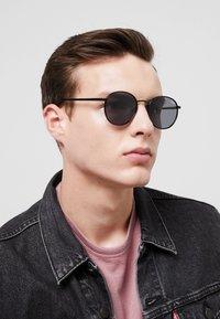 QUAY AUSTRALIA - OMEN - Sunglasses - black - 1