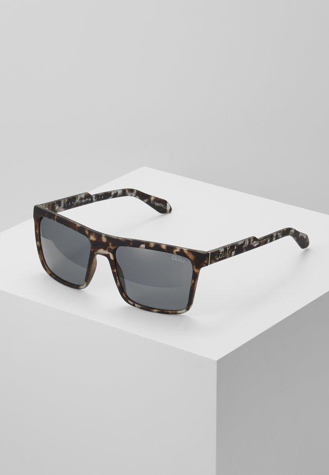 LET IT RUN - Sunglasses - tort