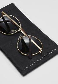 QUAY AUSTRALIA - MOD STAR - Zonnebril - gold-coloured/black - 3