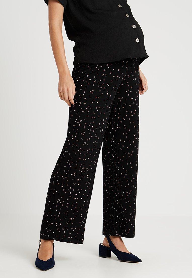 Queen Mum - PANTS LOOSE - Pantalones - black