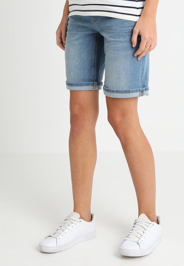 Queen Mum - BODIE BERMUDA - Shorts - mid blue denim