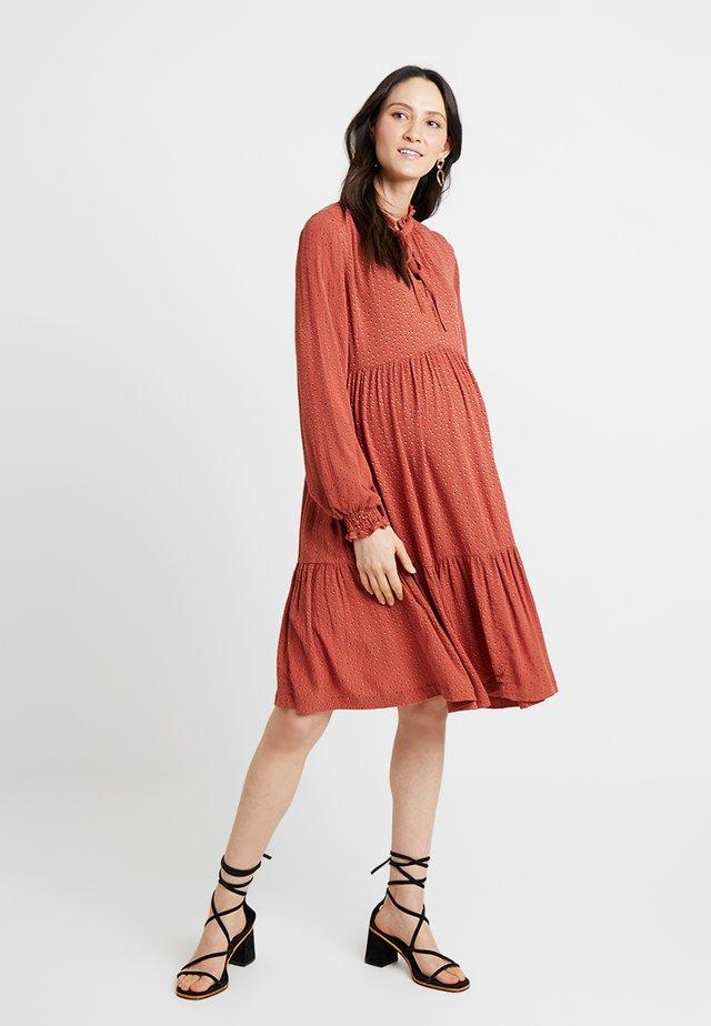 DRESS - Denní šaty - picante