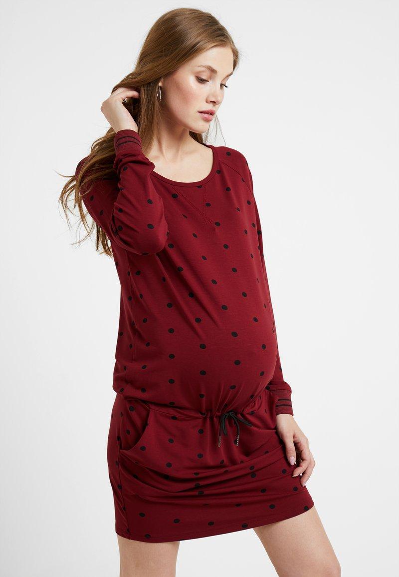 Queen Mum - DRESS - Vestito di maglina - cabernet