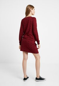 Queen Mum - DRESS - Vestito di maglina - cabernet - 2