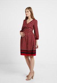 Queen Mum - DRESS 3/4 - Denní šaty - formula one - 0