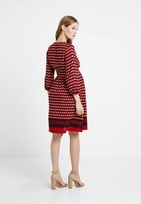 Queen Mum - DRESS 3/4 - Denní šaty - formula one - 2