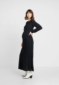 Queen Mum - DRESS LONG - Vestito lungo - black - 2