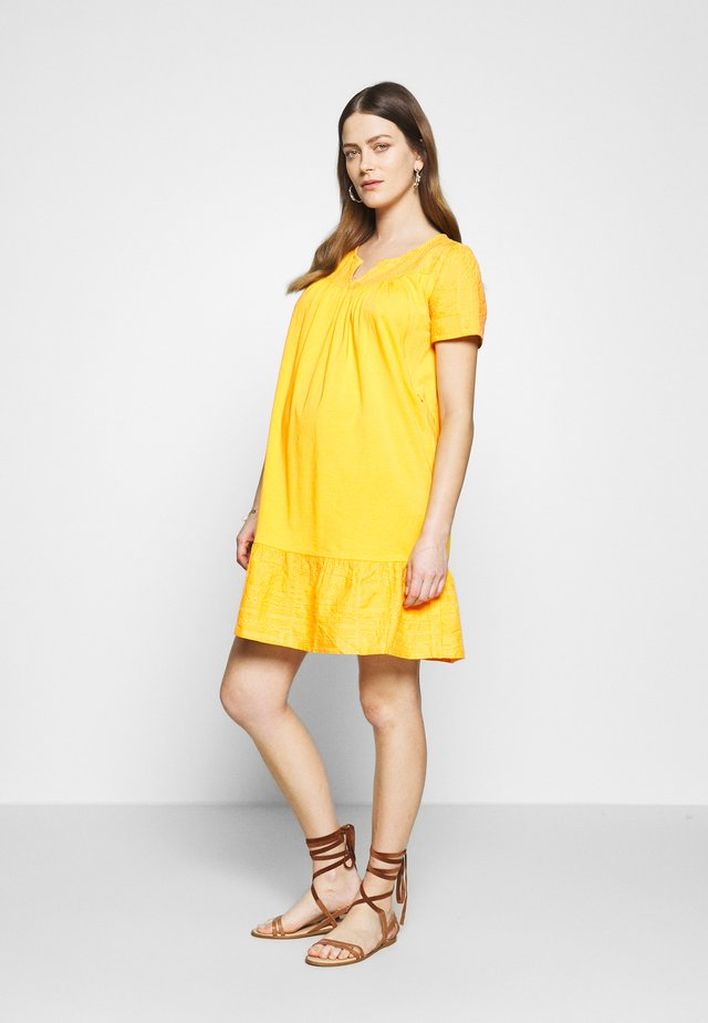 DRESS NURS NEWYORK - Robe en jersey - sunflower