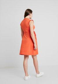 Queen Mum - DILI DRESS - Žerzejové šaty - emberglow - 3